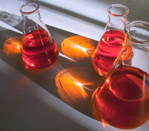 laboratory flasks 1 1558654 638x455 e1513195381938