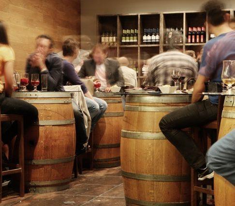 restaurant alcohol bar drinks e1513019964606